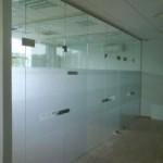 vitrina durys 01 150x150 Berėmis stiklas ir sistemos