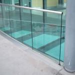 stiklo tureklai pastato viduje 150x150 Stiklo turėklai